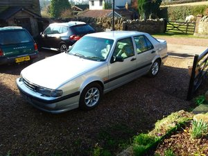 Enthusiast's SAAB 9000 CSE 1997 2ltr manual gears