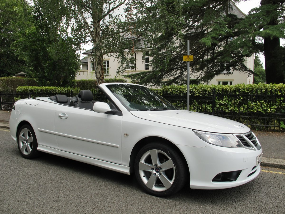 SAAB 93 2.0t SE CONVERTIBLE 2011 1 OWNER FSH WHITE ....WOW ! For Sale (picture 1 of 6)