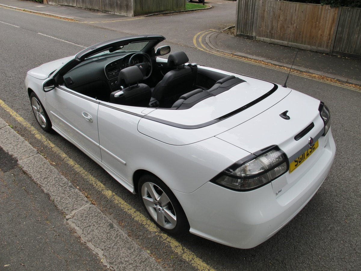 SAAB 93 2.0t SE CONVERTIBLE 2011 1 OWNER FSH WHITE ....WOW ! For Sale (picture 3 of 6)
