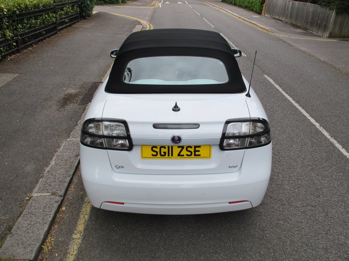 SAAB 93 2.0t SE CONVERTIBLE 2011 1 OWNER FSH WHITE ....WOW ! For Sale (picture 5 of 6)