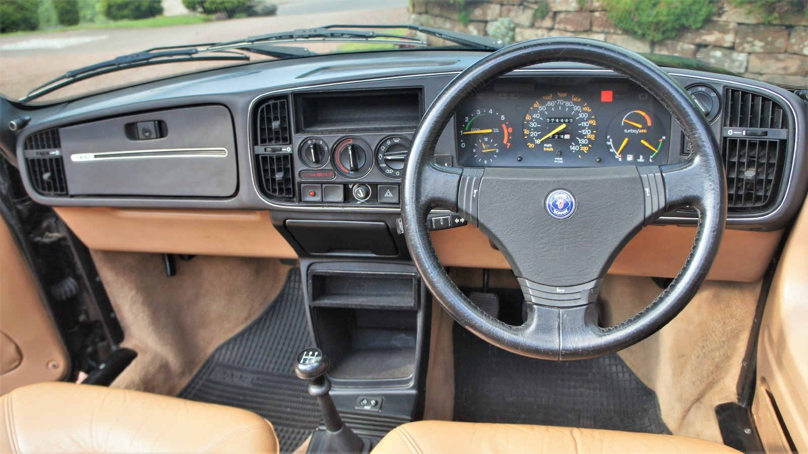 1987 SAAB 900 16 VALVE TURBO CONVERTIBLE - 74000 MILES SOLD (picture 6 of 6)