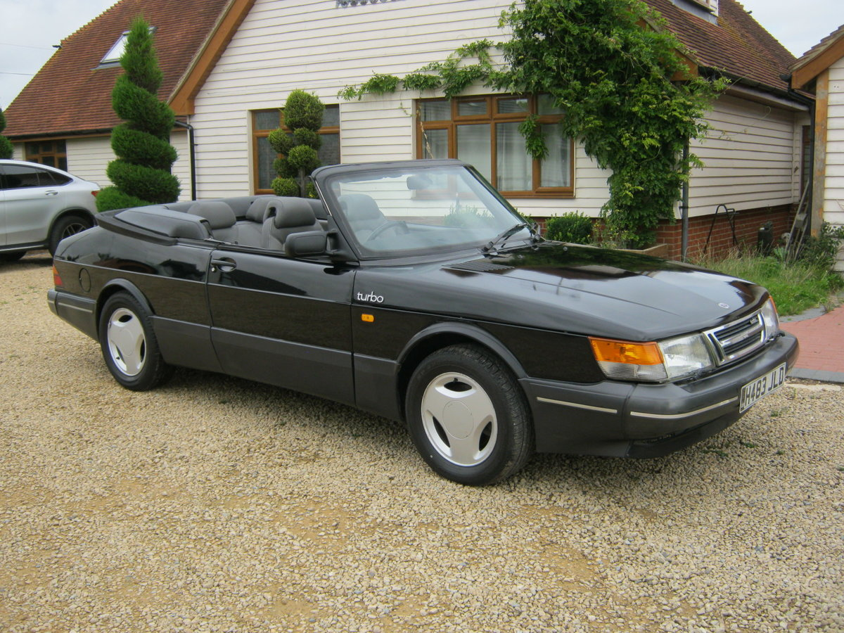 1991 SAAB 900 TURBO 16S CONVERTIBLE. FACTORY BLACK. NEW ROOF SOLD (picture 1 of 6)