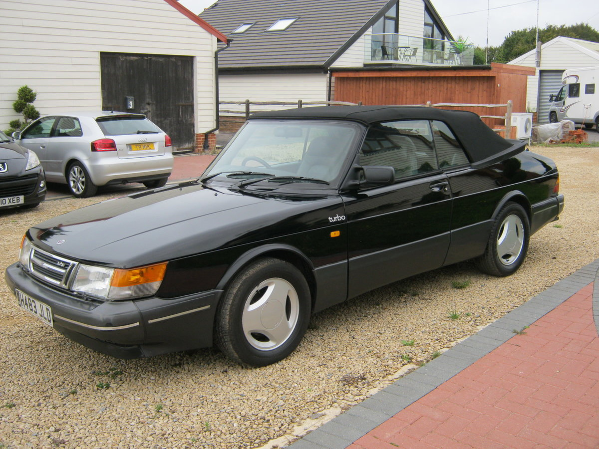 1991 SAAB 900 TURBO 16S CONVERTIBLE. FACTORY BLACK. NEW ROOF SOLD (picture 3 of 6)