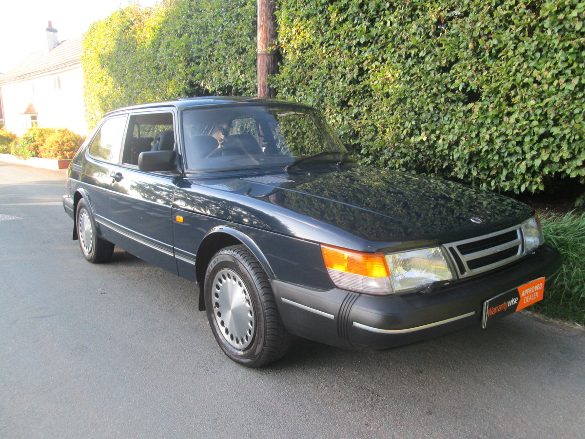 1989 One owner saab 900i all the history For Sale (picture 2 of 6)