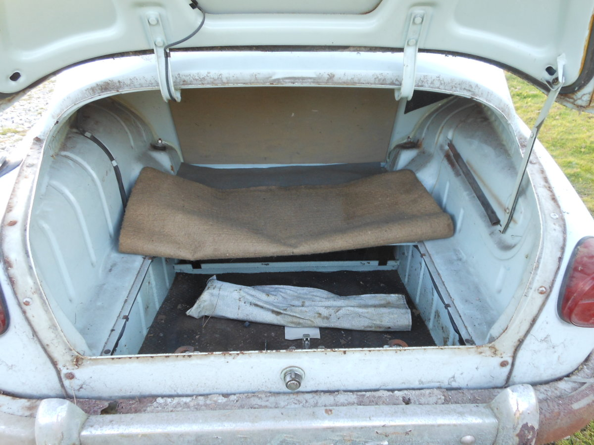 1964 SAAB 96 TWO STROKE BARN FIND SOLD (picture 6 of 6)