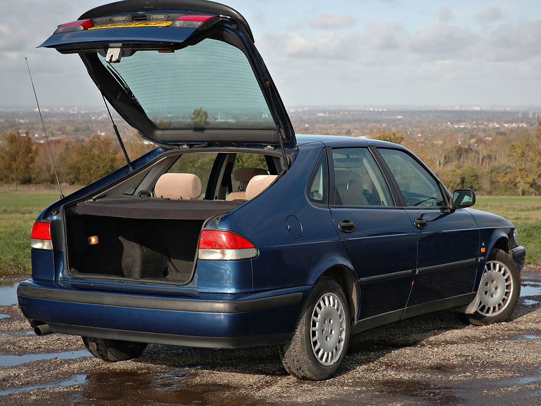 1998 93 2.0i S Automatic 107,000m MOT until November 2020 SOLD (picture 3 of 6)