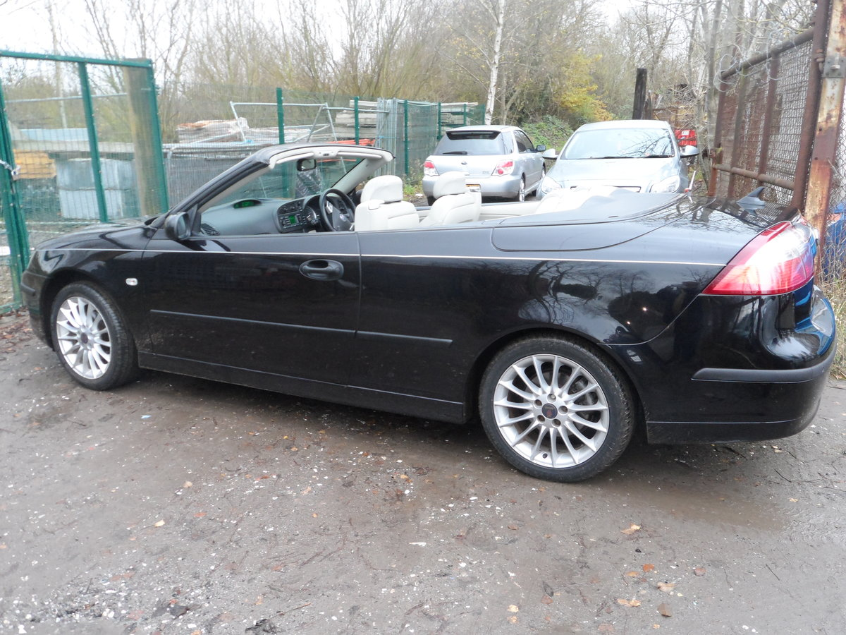 2005 05 PLATE SAAB 93 SOFT TOP IN BLACK NICE  LOOKER F.S.H 91,000 For Sale (picture 2 of 6)