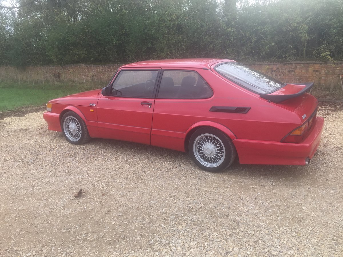 1990 Saab 900 Red over Black For Sale (picture 4 of 6)