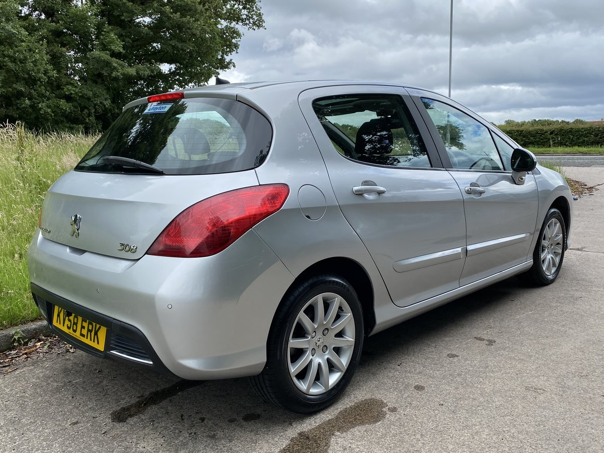 2008 Peugeot 308 1.6 THP SE Auto - 45,000 miles - Panoramic Roof For Sale (picture 2 of 6)