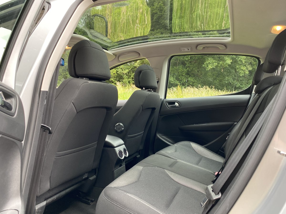 2008 Peugeot 308 1.6 THP SE Auto - 45,000 miles - Panoramic Roof For Sale (picture 6 of 6)