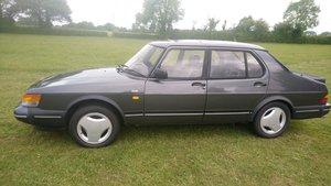1992 Saab 900 Turbo Classic Sedan
