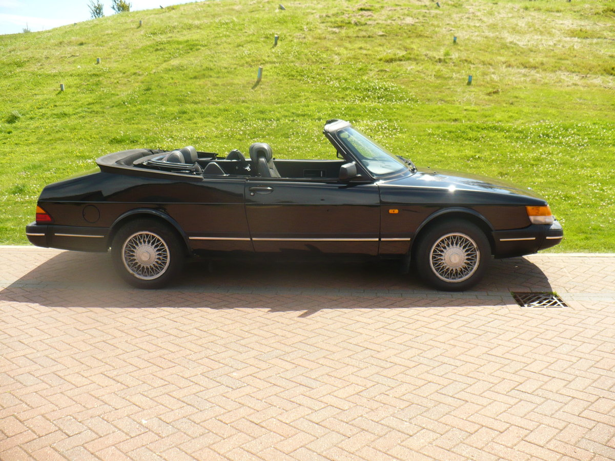 saab 900 i auto cabriolet 1990 For Sale (picture 1 of 6)