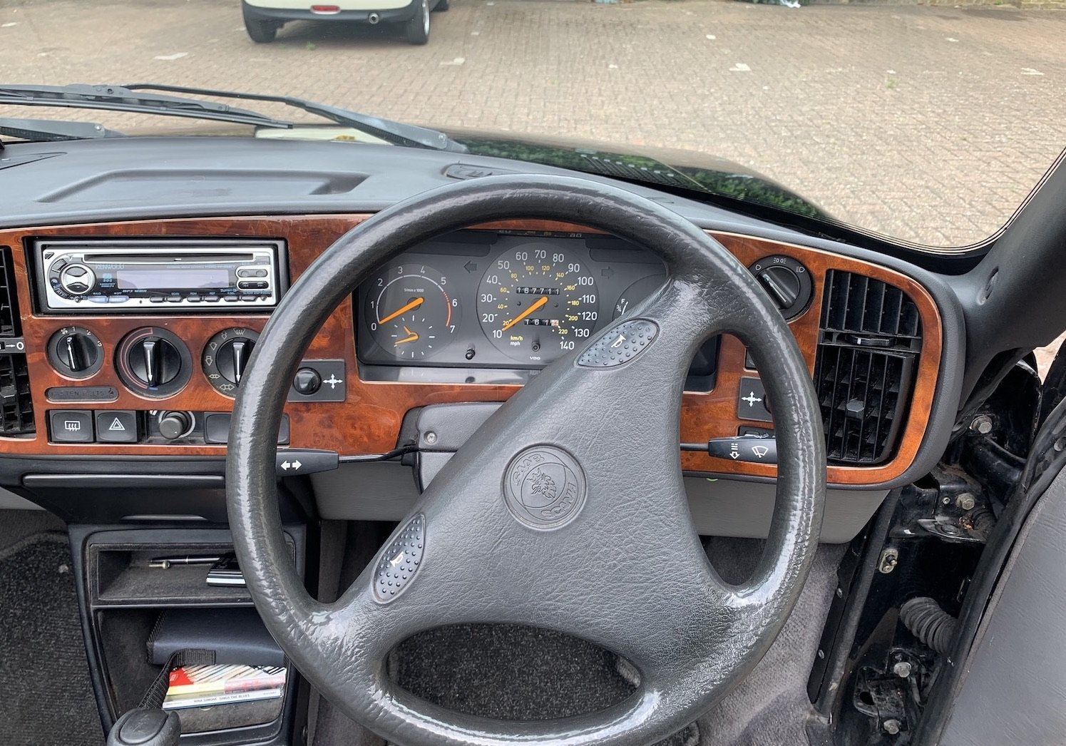 1992 Classic Saab 900i convertible in superb condition For Sale (picture 6 of 6)