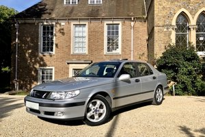 Beautiful SAAB 9-5 SE manual, low mileage FSH