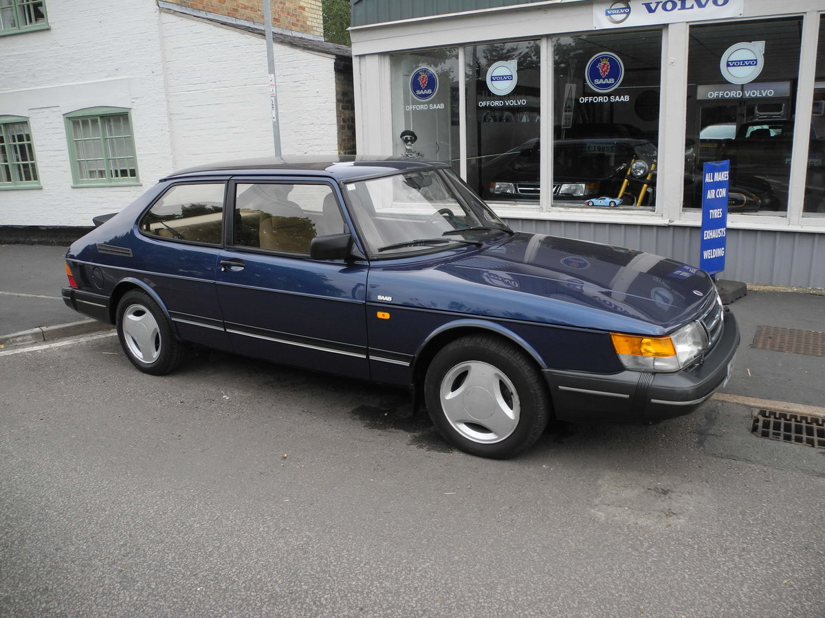 1991 SAAB 900 16V For Sale (picture 1 of 6)