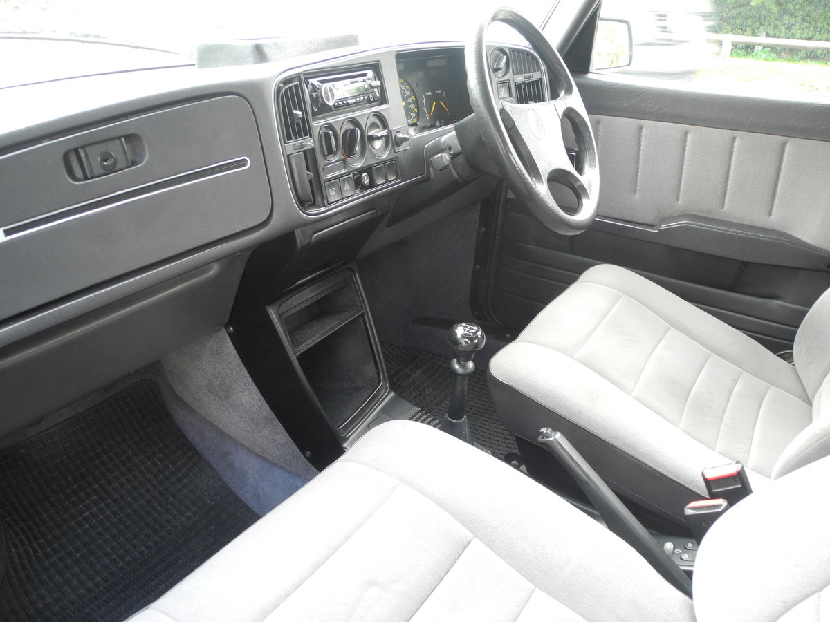 1988 SAAB 900 I For Sale (picture 2 of 6)