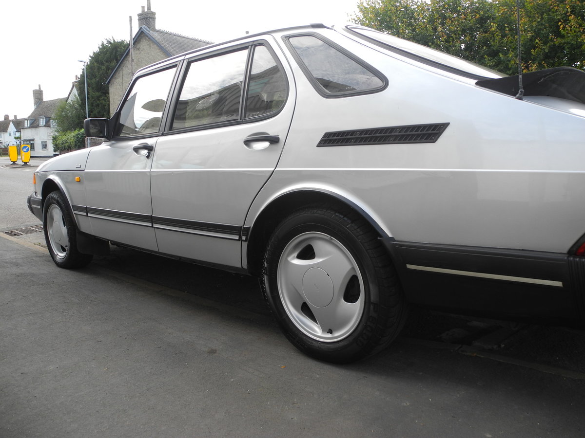 1988 SAAB 900 I For Sale (picture 3 of 6)