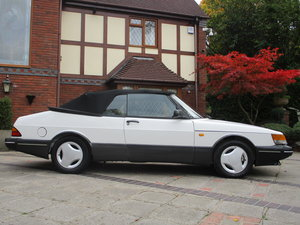 Picture of 1990 Super Saab Classic 900i  16V Convertible Aero