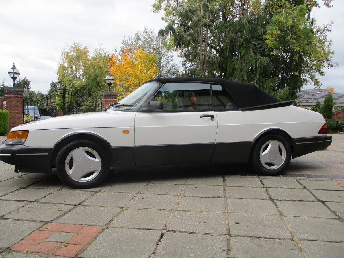 1990 Saab 900 Classic 16V Convertible