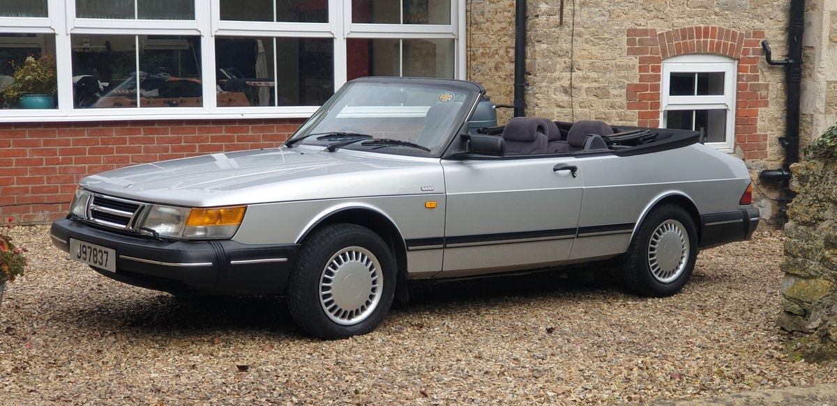 1990 Saab 900i 16v Convertible, 30,000 miles. 1 family owned. For Sale (picture 5 of 6)