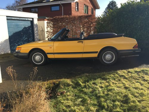 1992 SAAB 900 Convertible SOLD (picture 2 of 6)