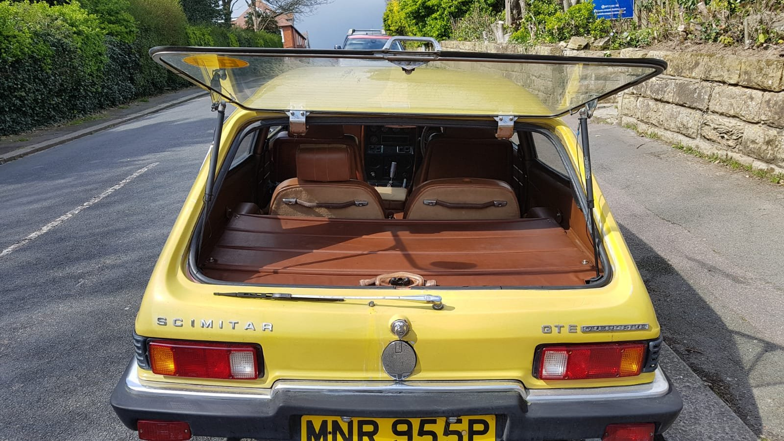 1976 Reliant Scimitar GTE SOLD (picture 2 of 6)