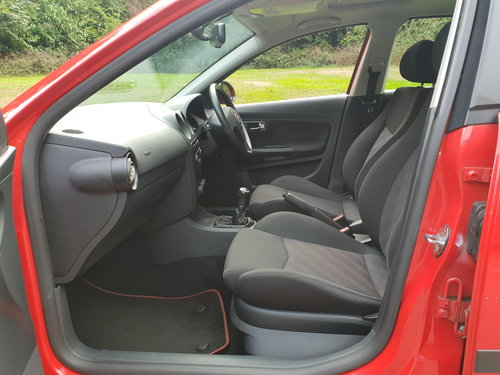 2005 Seat Ibiza 1.4 Sport 16v. Low Miles. 1 Family Owned. Bargain SOLD (picture 3 of 6)