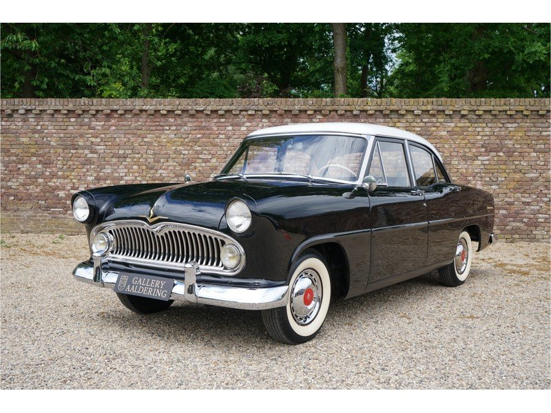 1957 Simca Vedette Versailles Great original condition For Sale (picture 1 of 6)
