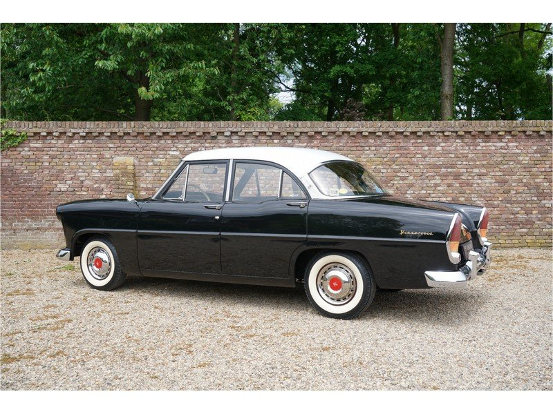 1957 Simca Vedette Versailles Great original condition For Sale (picture 2 of 6)