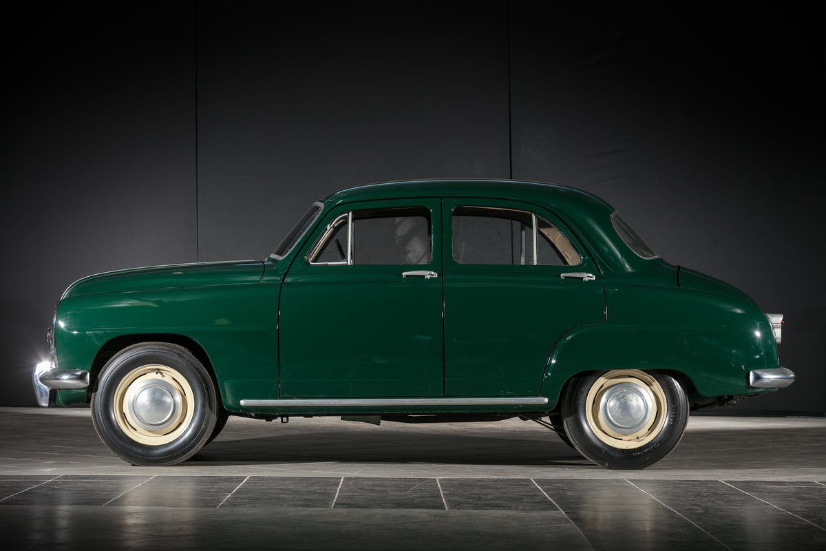 1952 Simca 9 Berline - No reserve For Sale by Auction (picture 2 of 6)