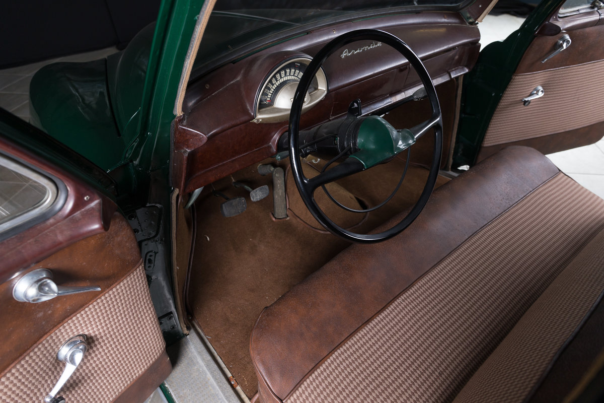 1952 Simca 9 Berline - No reserve For Sale by Auction (picture 3 of 6)