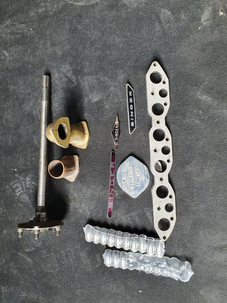 0000 SINGER parts 1.5 litre/6 cylinder parts to sell For Sale (picture 4 of 4)