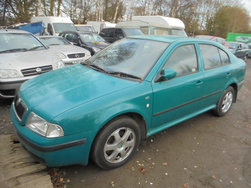 2001 51 PLATE DIESEL AUTOMATIC  1900cc SKODA OCYAVIA SALOON 200K For Sale (picture 1 of 6)