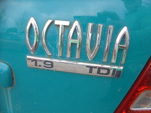 2001 51 PLATE DIESEL AUTOMATIC  1900cc SKODA OCYAVIA SALOON 200K For Sale (picture 2 of 6)