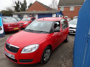 31,000 MILES RED ROOMSTER 2007 REG IN RED SMART LOOKER For Sale