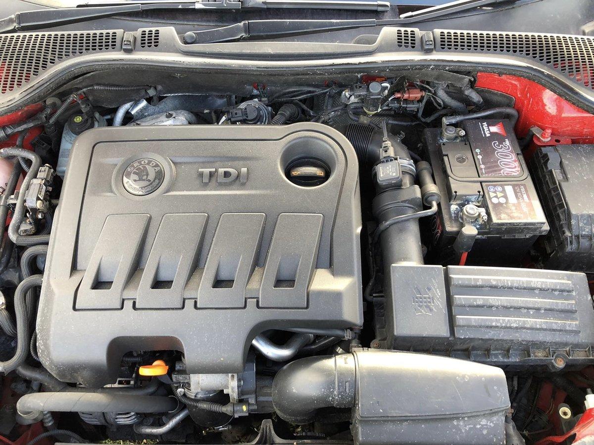 2011 Skoda Octavia 1.6tdi 4x4 For Sale (picture 7 of 8)