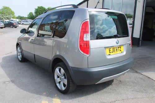 2011 SKODA ROOMSTER 1.2 SCOUT TSI DSG 5DR Automatic SOLD (picture 3 of 6)
