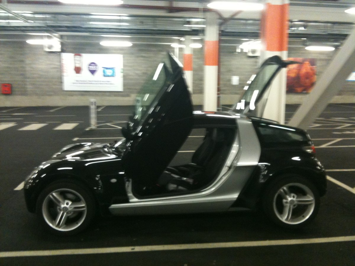 2003 Smart Roadster Coupe Black Top Spec with Leather For Sale (picture 2 of 6)