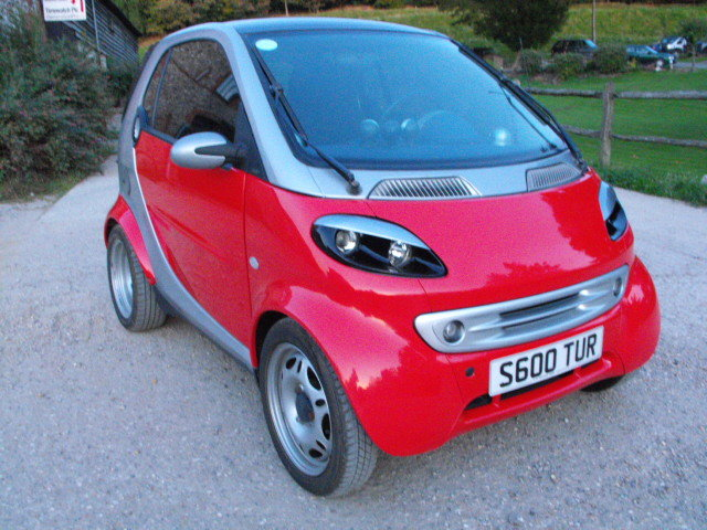 2001 LHDSmart ForTwo rolling chassis(damaged engine+good gearbox) For Sale (picture 1 of 6)