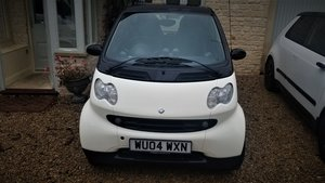 Picture of 2004 Cream & Black Passion Smart ForTwo Mint