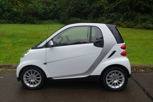 SMART PASSION CDi..AUTOMATIC..VERY LOW MILES..TOP SPEC SOLD (picture 1 of 6)