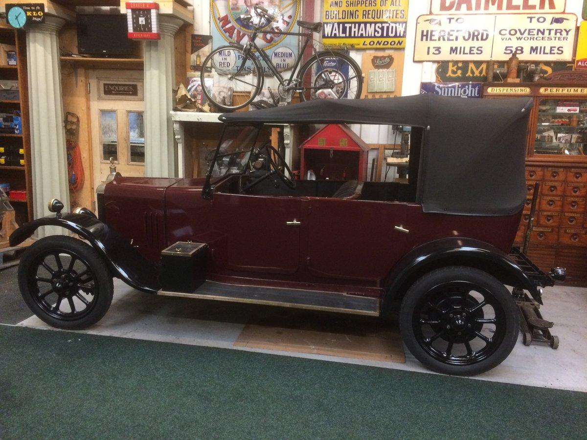 1925 Standard 11hp 4 Seater Tourer. For Sale (picture 1 of 6)