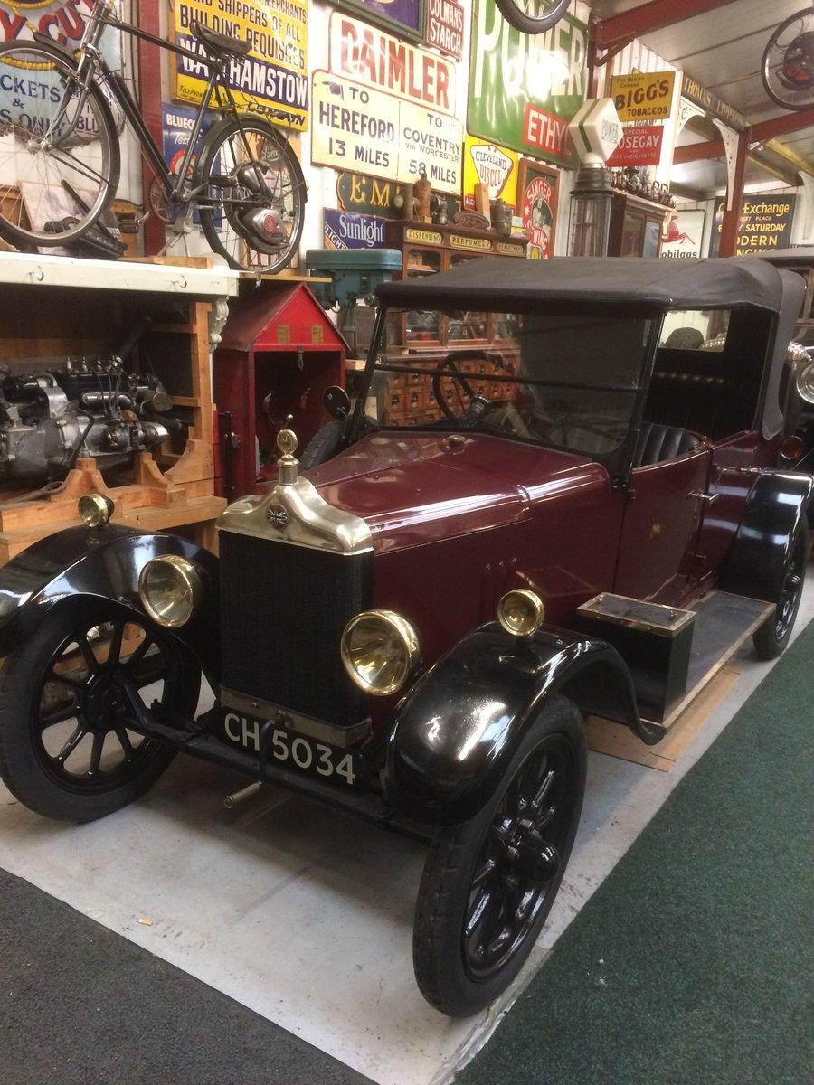 1925 Standard 11hp 4 Seater Tourer. For Sale (picture 2 of 6)