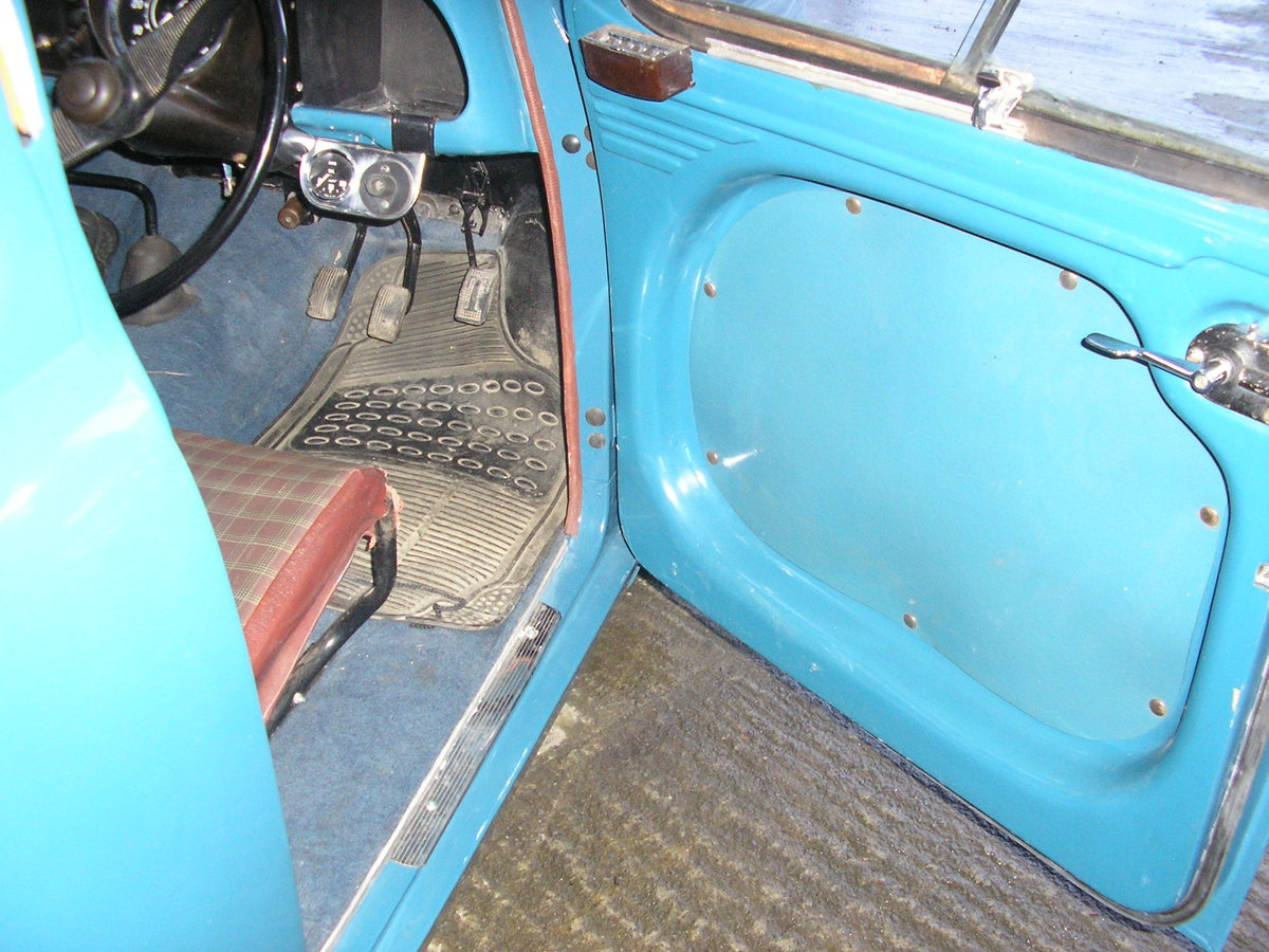 1953 Standard 8 saloon For Sale (picture 3 of 6)
