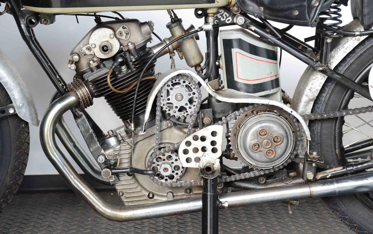 1934 ready to race OHC engine with bevel  For Sale (picture 8 of 10)