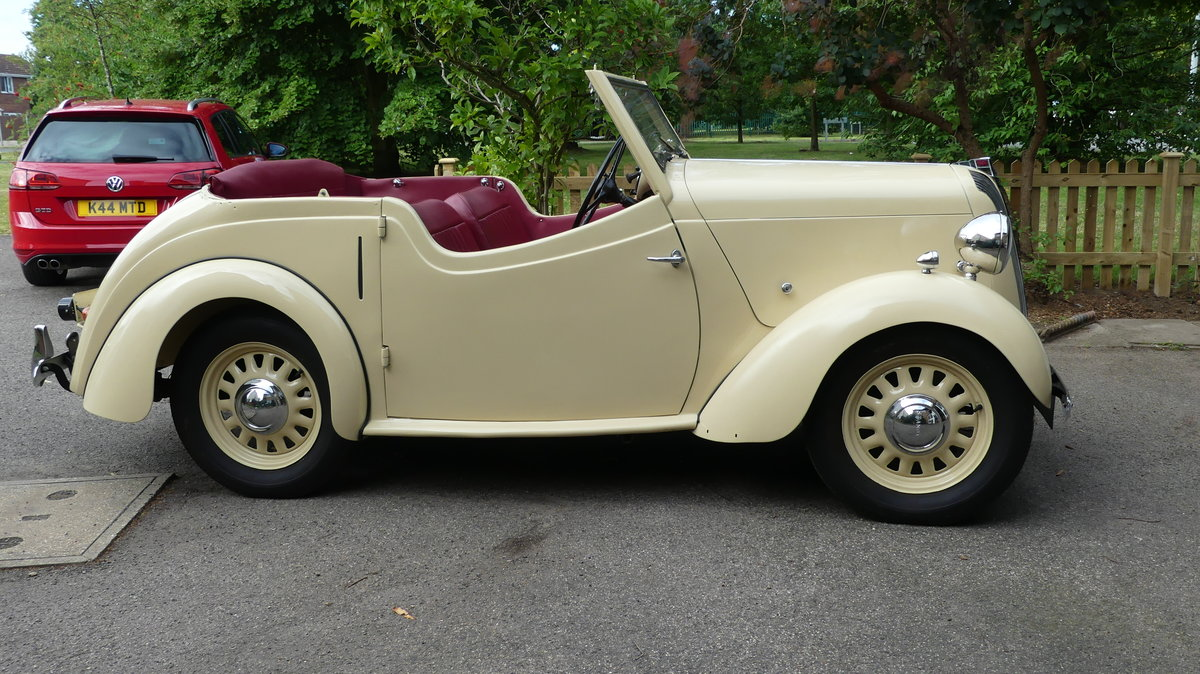 1946 Standard Flying 8 Tourer - Restored and lovely SOLD (picture 1 of 6)