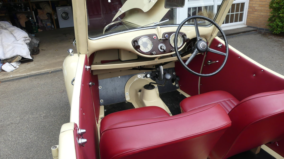 1946 Standard Flying 8 Tourer - Restored and lovely SOLD (picture 2 of 6)