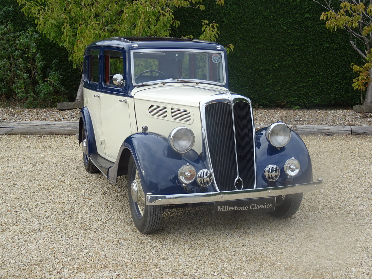 1935 Standard 12 Saloon (Deluxe) – Fully Restored For Sale (picture 2 of 6)