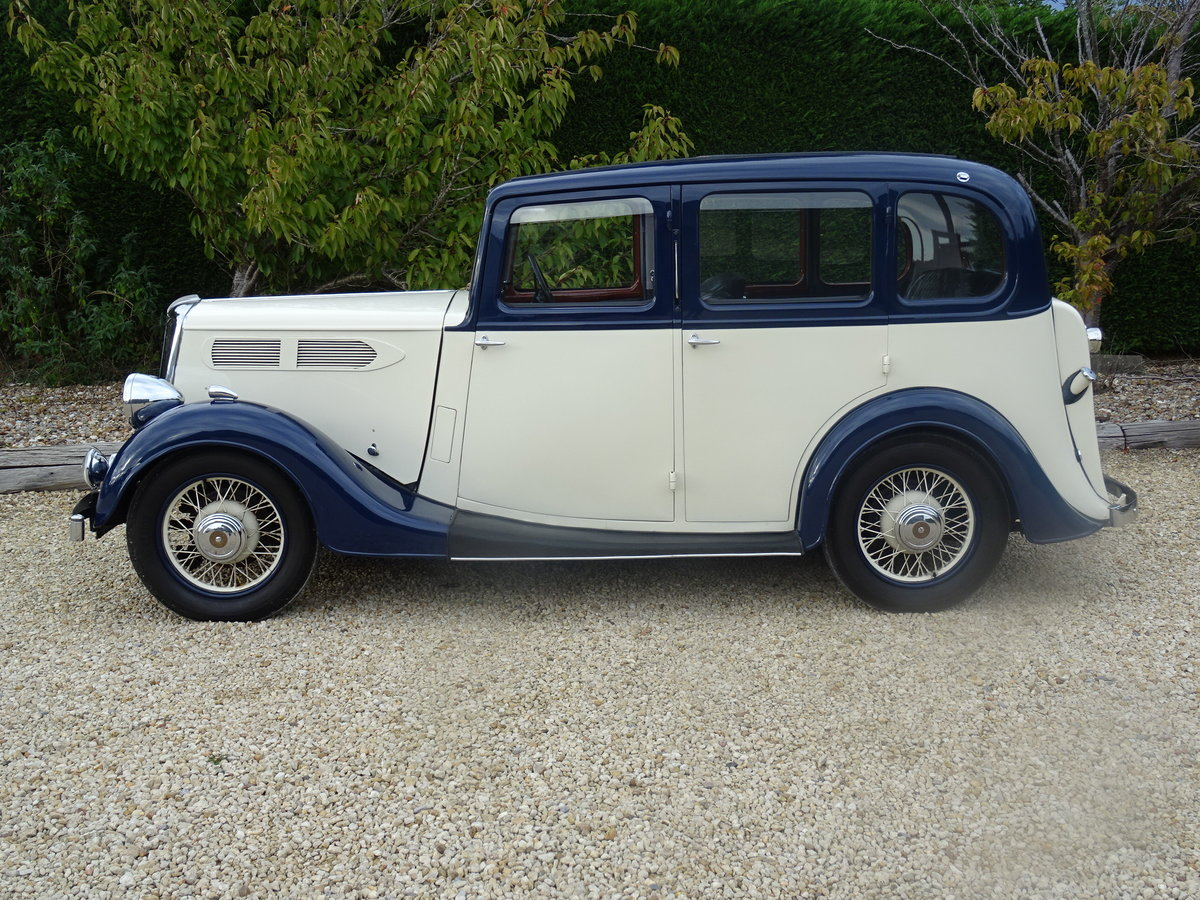 1935 Standard 12 Saloon (Deluxe) – Fully Restored For Sale (picture 4 of 6)