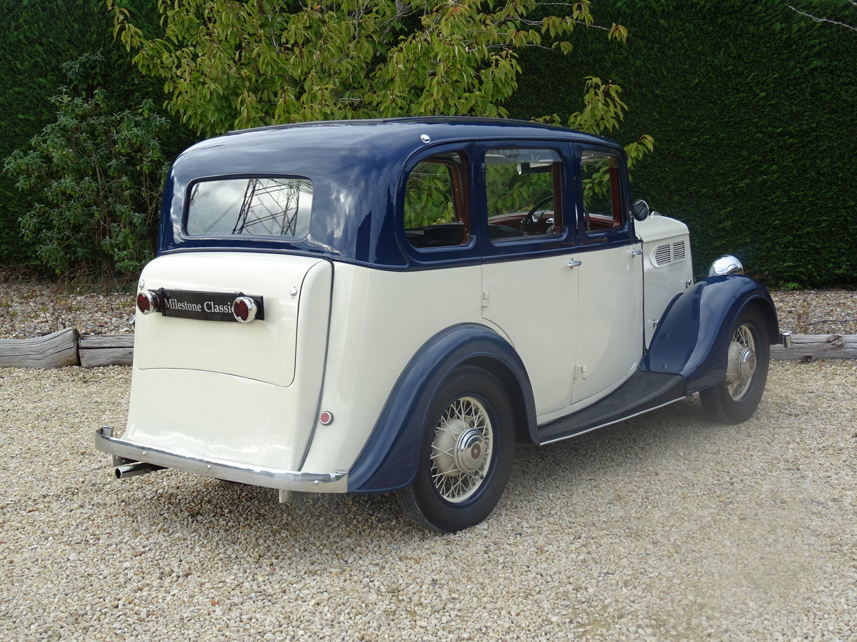 1935 Standard 12 Saloon (Deluxe) – Fully Restored For Sale (picture 5 of 6)